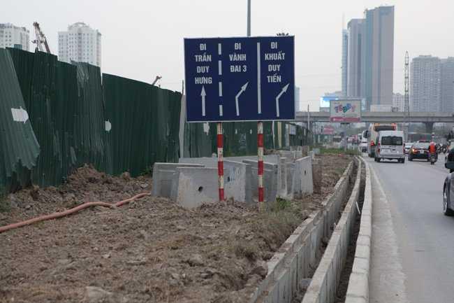 Bảng hướng dẫn các dòng xe lưu thông khi đi qua đây