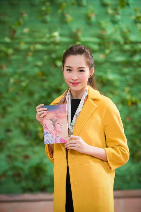 Tại buổi ra mắt, nhiều cuốn sách Oscar và bà áo hồng đã được bán ra. Ban tổ chức cũng đã trích một phần doanh thu của cuốn sách, tặng quà và tổ chức bán đấu giá hai bức tranh màu nước của họa sĩ Nguyễn Thanh Bình cùng một số bản in đặc biệt để ủng hộ quỹ Trò nghèo vùng cao.