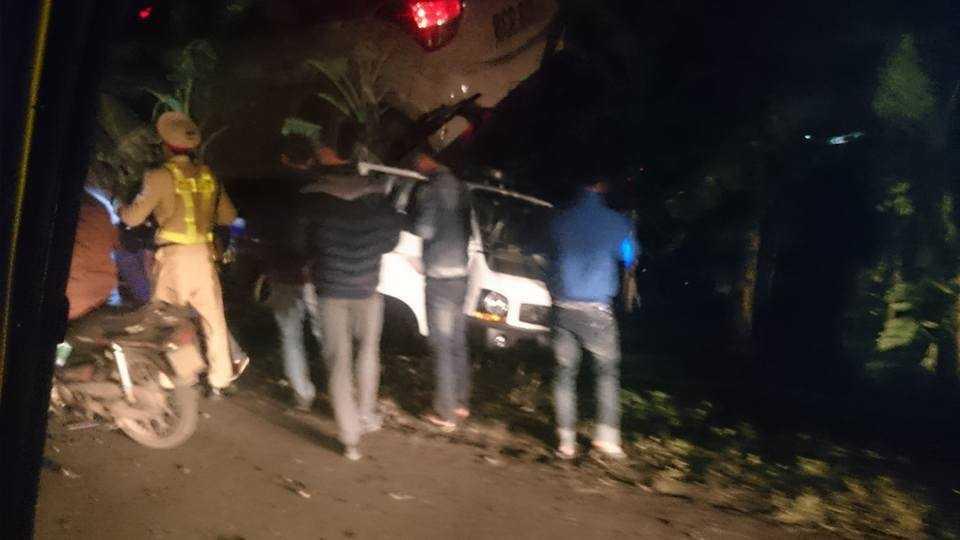 Hiện trường xảy ra vụ việc khiến 1 chiến sĩ CSGT bị thương. Ảnh: Thanh Giang