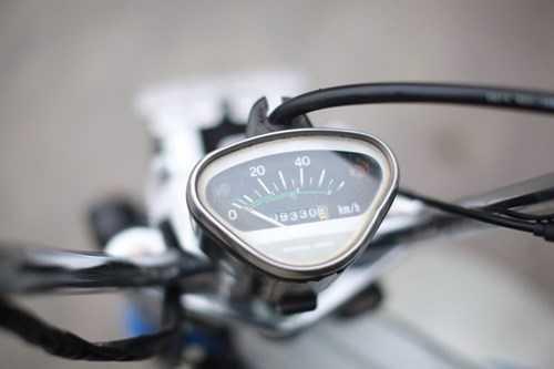 Đồng hồ zin của xe