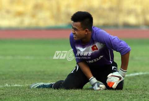 Trong 5 thủ môn, U23 Việt Nam hiện tại còn duy nhất thủ thành Văn Tiến lành lặn. (Ảnh: Quang Minh)