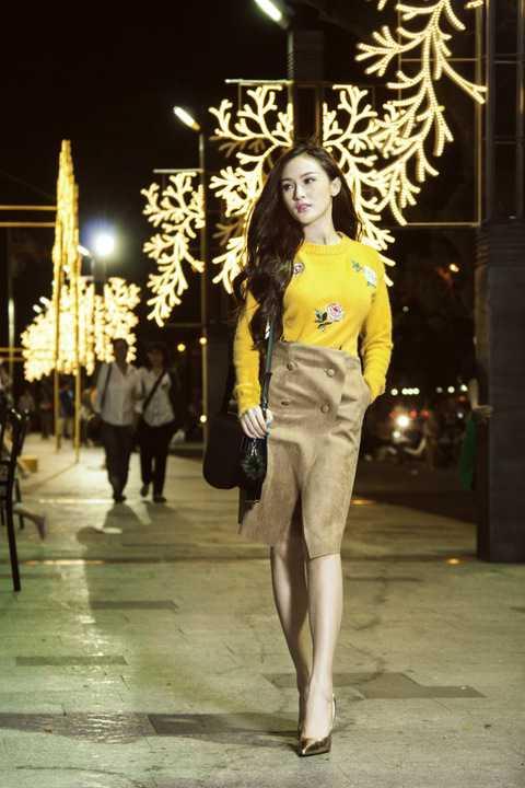 Riêng MV Nỗi nhớ trong anh, với sự xuất hiện của Hoa hậu Đại Dương – Đặng Thu Thảo sẽ mang đến cho người xem những hình ảnh của mùa đông đầy lãng mạn.