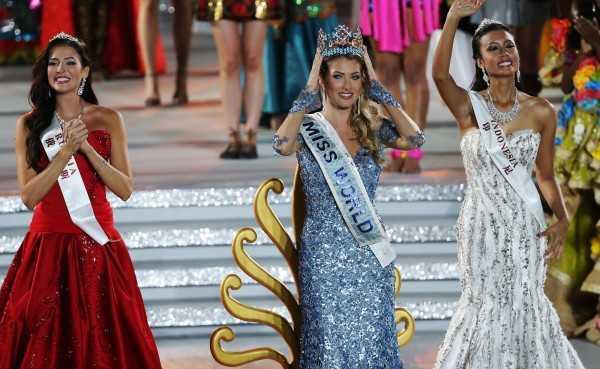 Hoa hậu Tây Ban Nha Mireia Lalaguna Royo đăng quang Hoa hậu Thế giới 2015.
