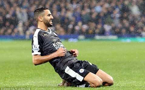 Mahrez vừa lập cú đúp vào lưới Everton tối qua