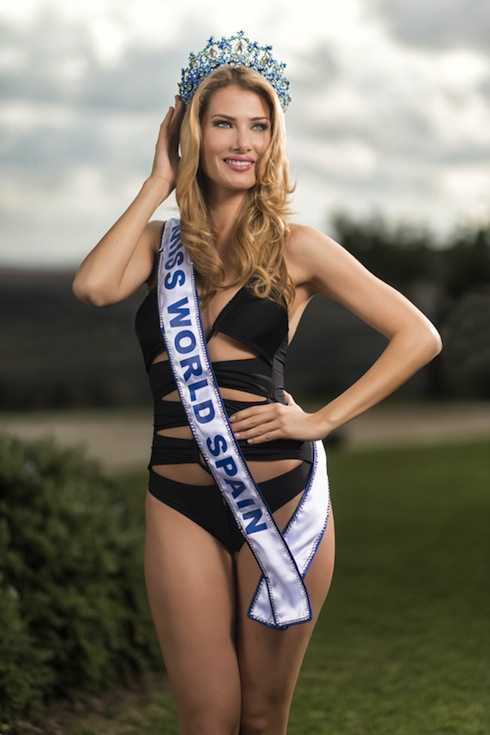 Mireia Lalaguna Royo quyến rũ trong trang phục bikini.