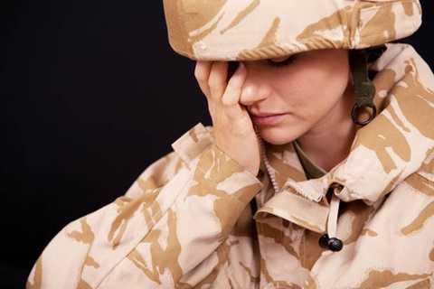 Tình trạng nữ quân nhân bị hiếp dâm ngày càng xuất hiện nhiều trong quân đội Anh