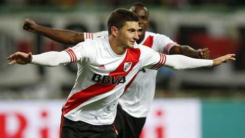 River Plate đối đầu Barca
