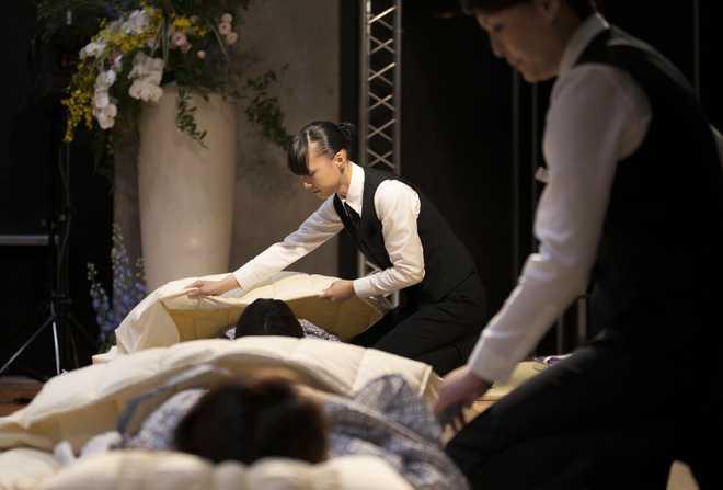 Dịch vụ dùng thử quan tài đang phát triển rầm rộ ở Nhật Bản
