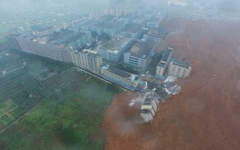 Hiện trường vụ lở đất nhìn từ trên cao