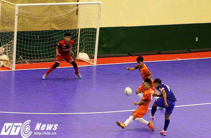 Thái Sơn Nam dễ dàng đánh bại Hoàng Thư Đà Nẵng để vào bán kết giải Futsal cúp QG 2015 (ảnh: Hoàng Tùng)