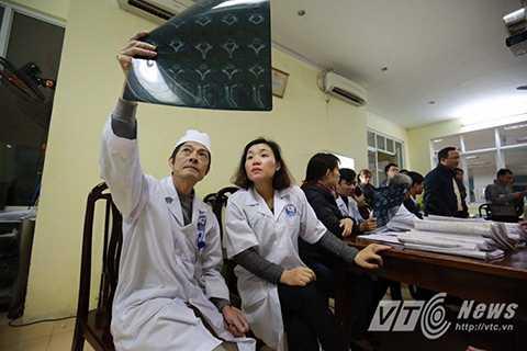 50 bác sĩ của bệnh viện Đa khoa tỉnh Vĩnh Phúc được huy động để tham gia cấp cứu, điều trị cho các nạn nhân