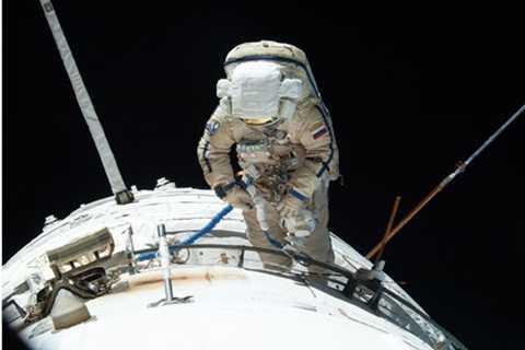 Tiếng Nga vẫn là ngôn ngữ chính giữa các phi hành gia trên tàu vũ trụ