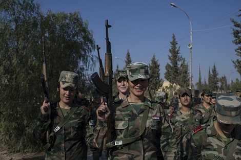 Các nữ binh sỹ Syria luyện tập