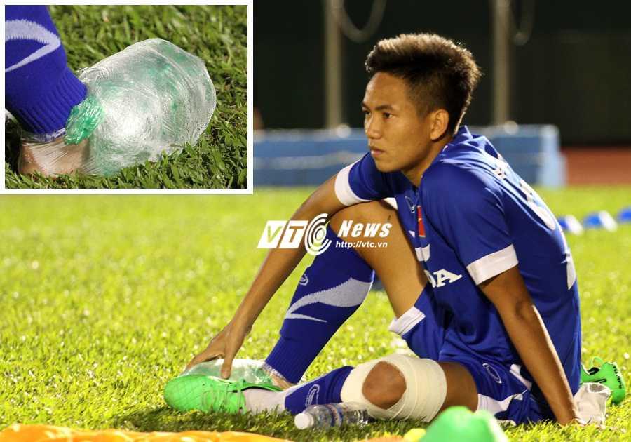 Hữu Dũng là ca chấn thương mới nhất ở U23 Việt Nam (ảnh: Hoàng Tùng)