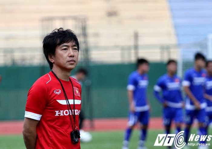 Toshiya Miura 'lực bất tòng tâm' với lối chơi kiểu HAGL? (Ảnh: Hoàng Tùng)