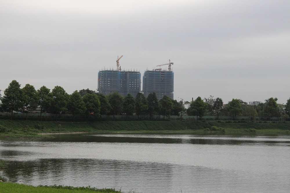 Hình ảnh thực tế dự án nhìn từ hồ nước Công viên Yên Sở
