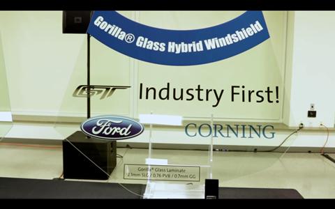 Kính Gorilla Glass mỏng hơn kính thường, nhẹ hơn và chống trầy tốt hơn