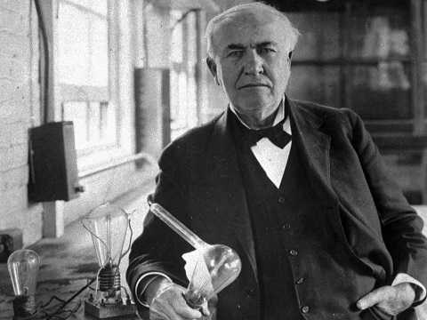 Thomas Edison xem thất bại là một cách để sáng tạo.