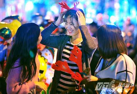 Lễ Noel trở thành một dịp để người dân trên khắp cả nước vui chơi, giải trí.