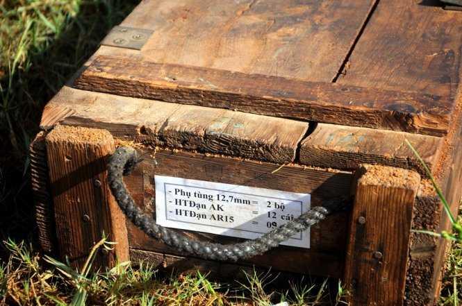 Một thùng gỗ chứa đầu đạn. Ảnh: Lâm Thiên