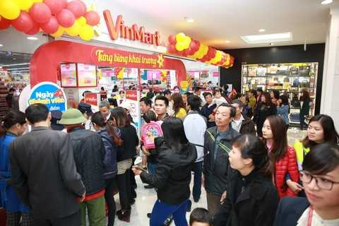 Hàng ngàn lượt khách nô nức đến Vincom ngày khai trương