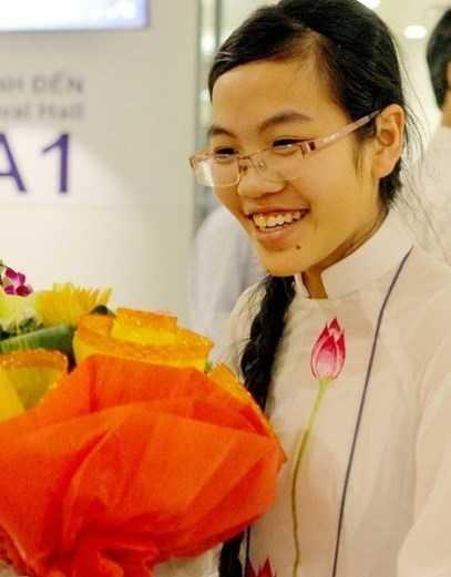 Nữ sinh 17 tuổi Đinh Thị Hương Thảo là một trong những nữ sinh tài năng của Việt Nam trên các đấu trường quốc tế