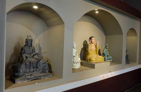 Tượng Phật cổ