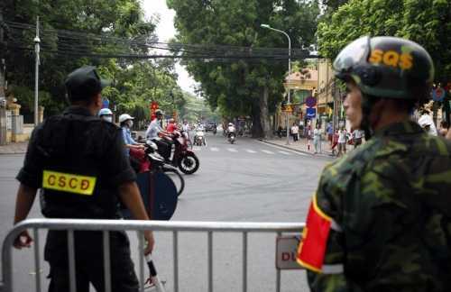 Nhiều tuyến đường sẽ bị cấm để phục vụ cho lễ xuất quân và diễn tập bảo vệ Đại hội Đảng lần thứ 12. (Ảnh minh họa)