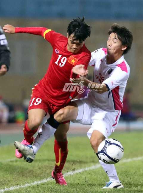 Khả năng ra sân của Văn Toàn còn bỏ ngỏ (Ảnh: Quang Minh)