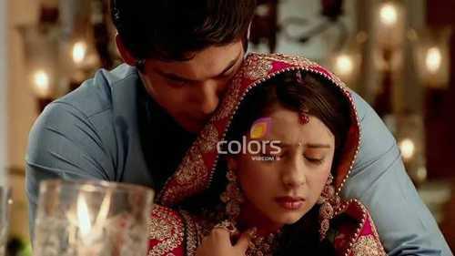 Shiv và Anandi thành vợ chồng khiến khán giả thích thú.