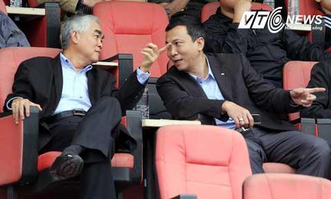 Phó chủ tịch phụ trách chuyên môn Trần Quốc Tuấn quá ôm đồm và không thể tập trung điều hành VFF (Ảnh: Quang Minh)