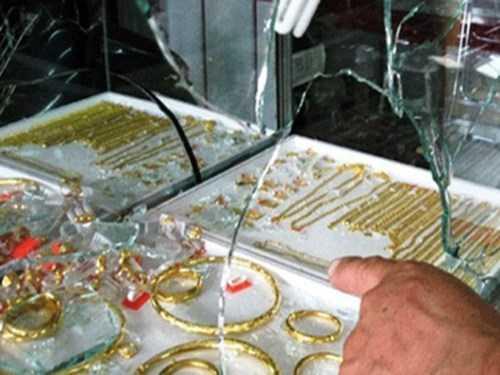 Tên trộm cuỗm mất hàng trăm dây chuyền, lắc tay... trị giá hơn 2 tỷ đồng (Ảnh minh hoạ)