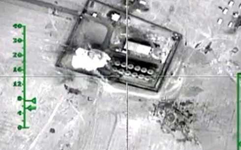 Kho chứa dầu của IS tại khu vực biên giới Syria-Thổ Nhĩ Kỳ