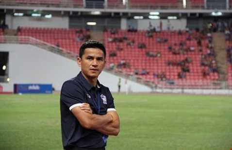 HLV Kiatisak chú trọng thể lực cho cầu thủ Thái Lan