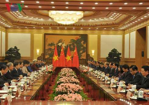 Chủ tịch Quốc hội Nguyễn Sinh Hùng hội đàm với Uỷ viên trưởng Uỷ ban thường vụ Đại hội đại biểu nhân dân toàn quốc Trung Quốc Trương Đức Giang
