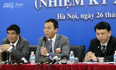 Phó chủ tịch VFF Trần Quốc Tuấn chia sẻ với báo giới chiều 26/12 (Ảnh: Hà Thành)