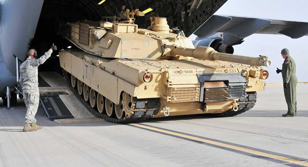 Xe tăng Mỹ vận chuyển bằng máy bay