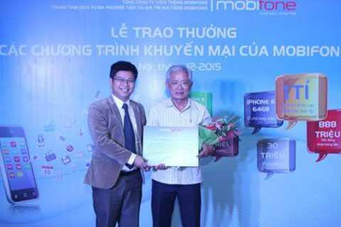 Ông Nguyễn Minh Quan, 59 tuổi ở Phường 11, Quận Gò Vấp TP.HCM đã trúng thưởng 1 tỷ đồng tiền mặt của MobiFone.