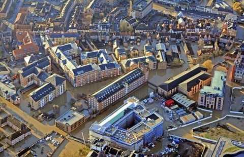 Cả thành phố York mênh mông nước