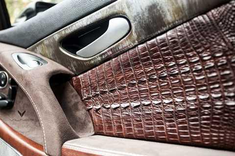 Một tác phẩm của Vilner - Bọc da cá sấu lên nội thất xe hơi