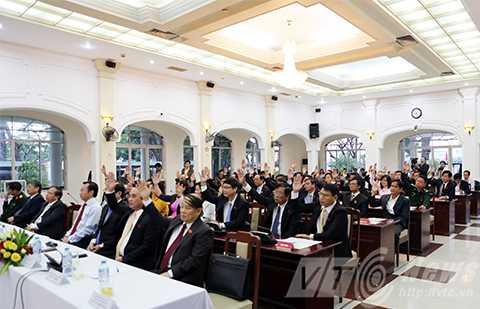 Sáng 29/12, tại Kỳ họp thứ 16 (bất thường), HĐND TP Đà Nẵng khóa VIII, nhiệm kỳ 2011-2016 đã họp, bầu nhân sự cho chức danh Phó Chủ tịch UBND TP