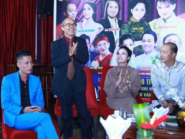 NSƯT Hán Văn Tình trở lại sân khấu sau một thời gian điều trị bệnh ung thư phổi (Ảnh:Thanh Hà)