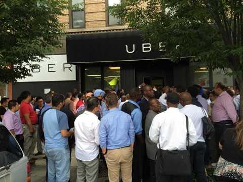 Uber ngay sau đó đã mở rộng phạm vi hoạt động ra các thành phố khác của Mỹ và toàn thế giới
