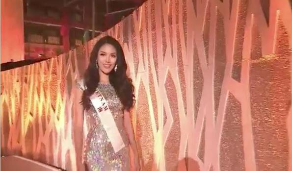 Lan Khuê bất ngờ lọt Top 11 Hoa hậu Thế giới 2015.