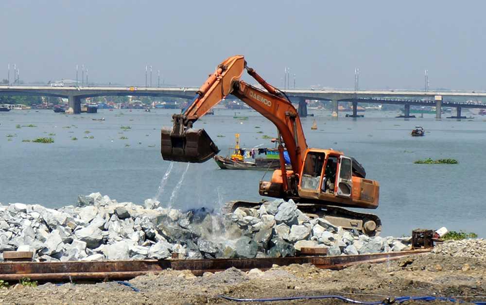 Dự án lấp sông Đồng Nai. (Ảnh: Trung Kiên)