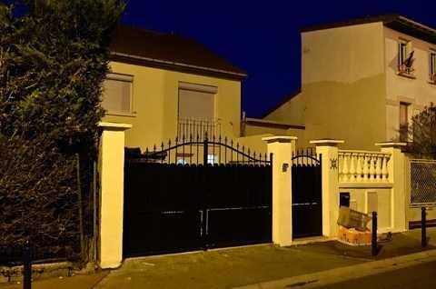 Ngôi nhà của gia đình tên Charaffe al Mouadan ở Drancy, ngoại ô Paris, ảnh chụp ngày 29/12/2015 - Ảnh: AFP