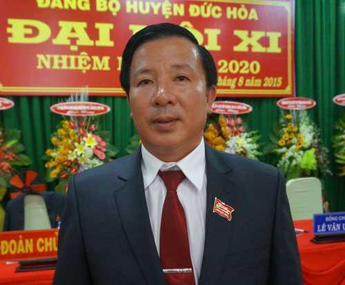 Bí thư huyện uỷ Đức Hoà Nguyễn Văn Út