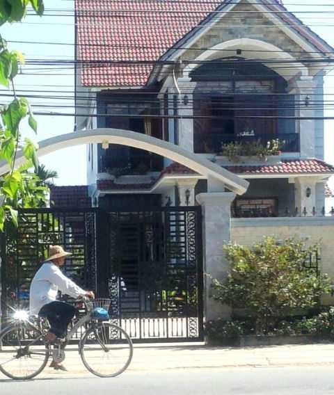 Căn biệt thự nhà Bí thư huyện uỷ Đức Hoà Nguyễn Văn Út
