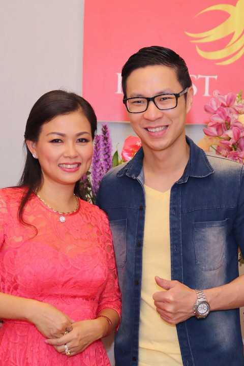 Luôn xinh đẹp và trẻ trung, ít người biết Quỳnh Giang đã là mẹ của 4 thiên thần nhỏ và luôn chu toàn công việc gia đình.