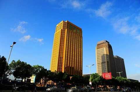 Tòa nhà làm lóa mắt người dân ở Giang Tô